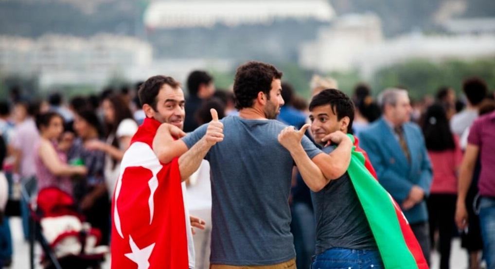 Чем азербайджанцы отличаются от турок
