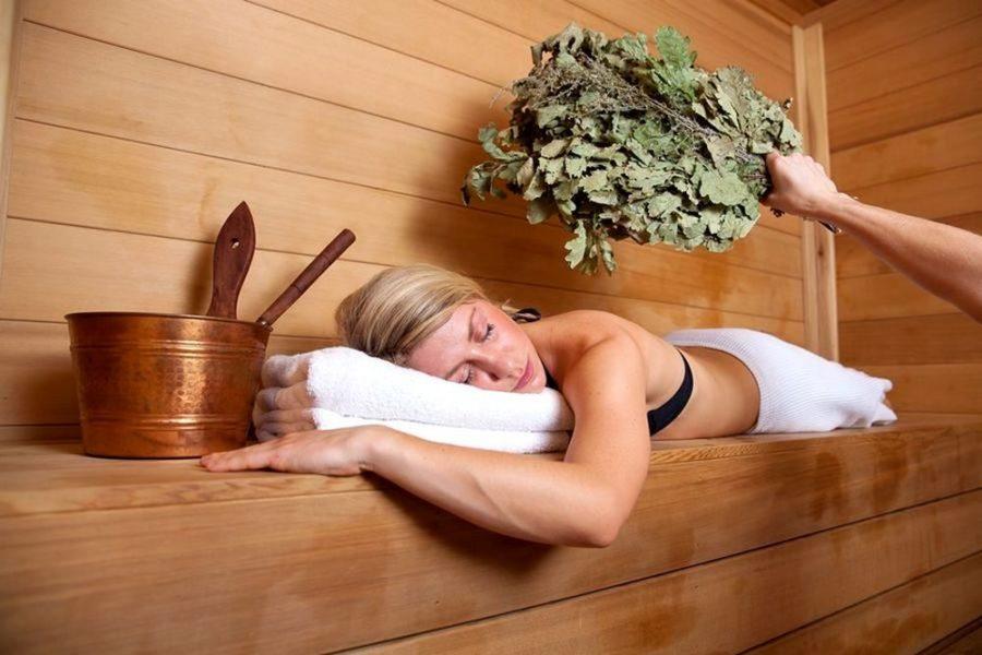 Чем полезна баня для здоровья: советы и рекомендации
